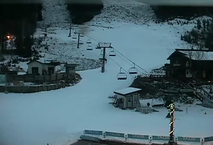 http://www.snowgrabber.com/grabber/taos-ski-valley-cam.jpg
